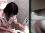 Pissing japanese babes